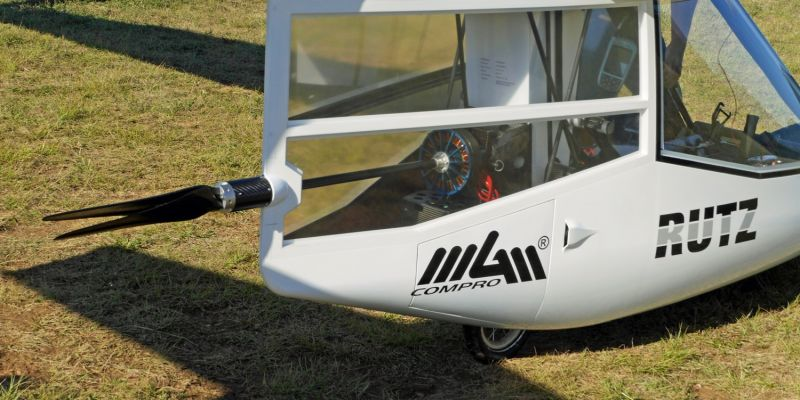 All in one machine, anywhere, anytime. Quick change (5 min) from sailplane to electro sailplane and back. All without tools, depending on your requirements on the day.