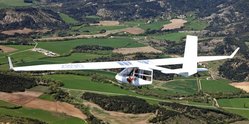An absolute All-rounder: From local micro lift soaring up to 600 km | 375 mi cross-countries. Glide ratio 28.